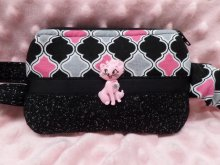Insulin Pump Pouch Quatrefoil in Blk Grey Ht Pink w/Pink Kitty &
