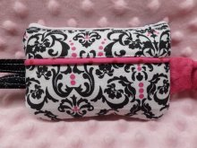 Stylish Insulin Pump Case in Damask & Hot Pink For Girls