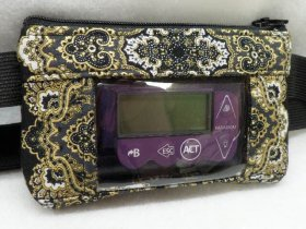 Gold Metallicon Blk Lace Insulin Pump Case teens and adults