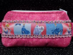 Princess Portraits Insulin Pump case Pouch w Pink Sparkle